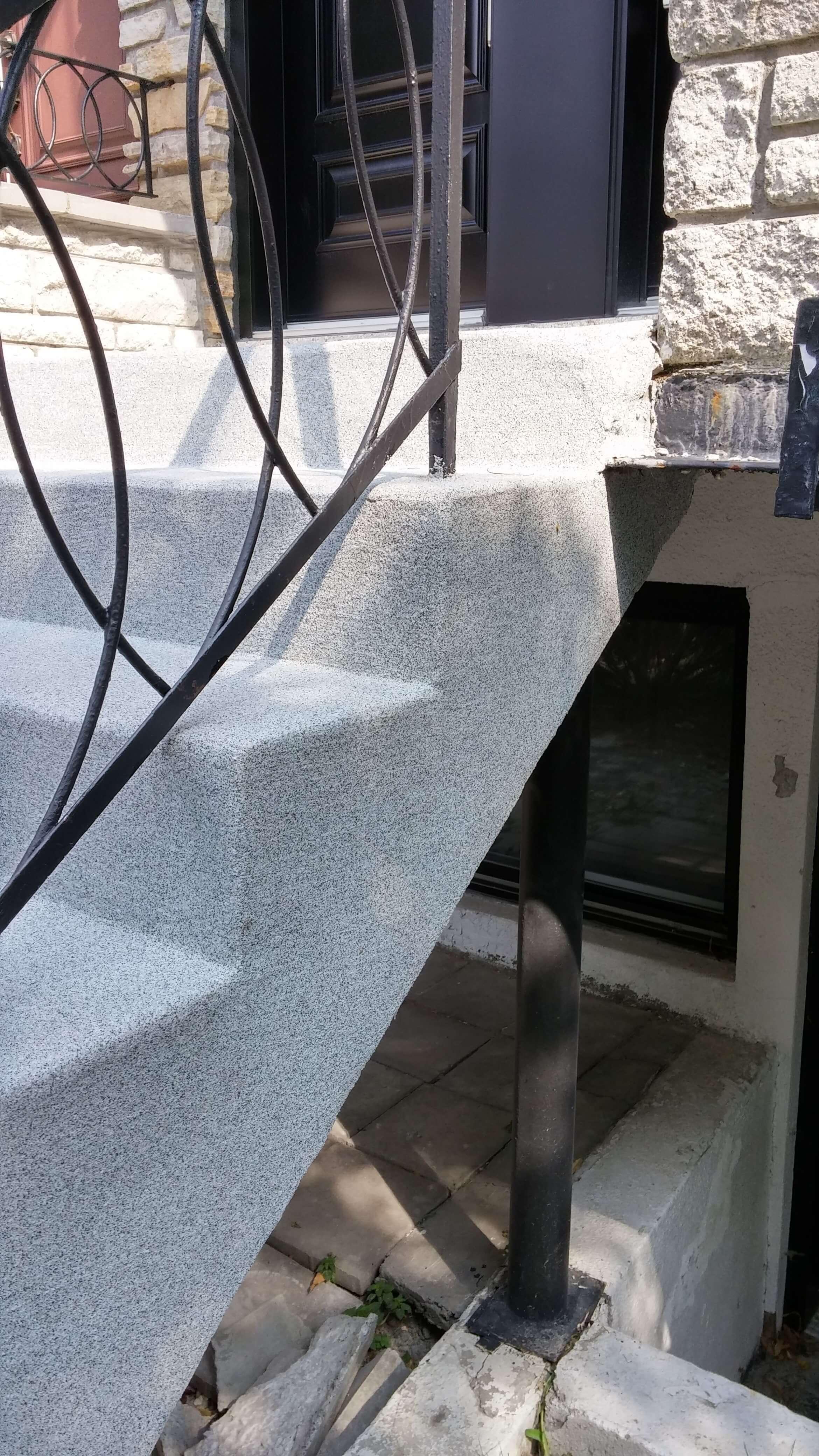 rev tement b ton pour escaliers ou trottoirs en b ton. Black Bedroom Furniture Sets. Home Design Ideas